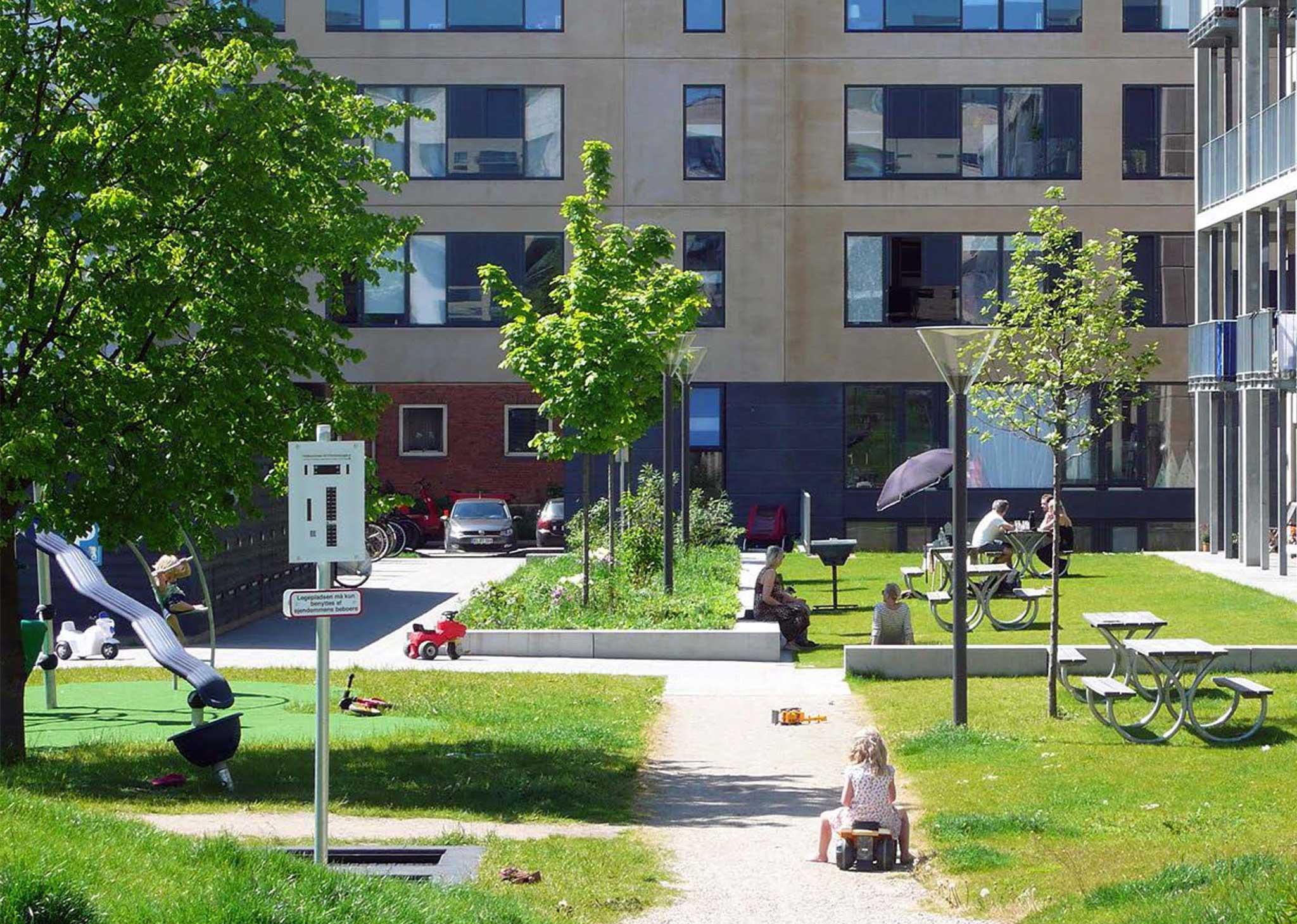 """Magnet Housing """"Flintholm""""   Landschaftsarchitektur Kopenhagen - Spielplatz"""
