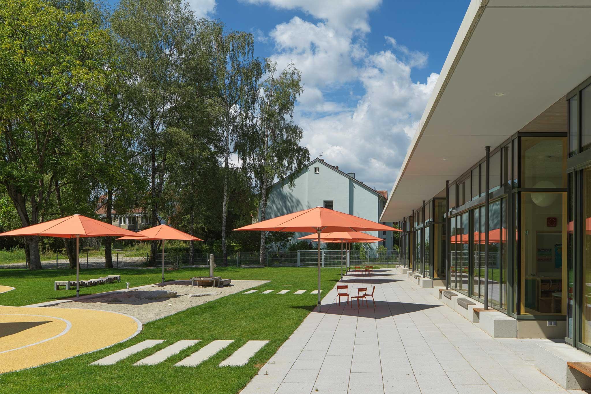 Landschaftsarchitektur Kindergarten St. Severin Garching - Terrasse