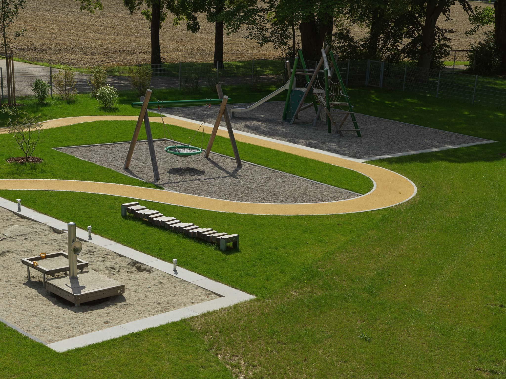 Landschaftsarchitektur Kindergarten St. Severin Garching - Spielgeräte